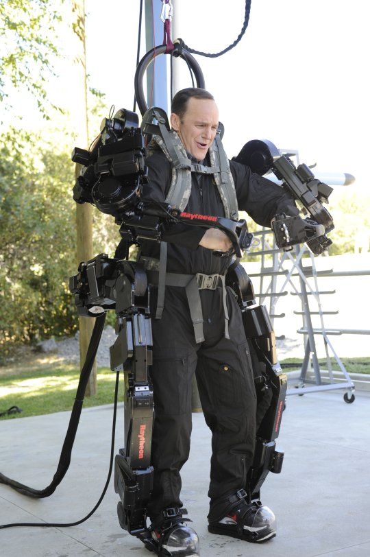 """Exoskeleton Suits"" are REAL, and heading to Call of Duty ... Military Exosuit"