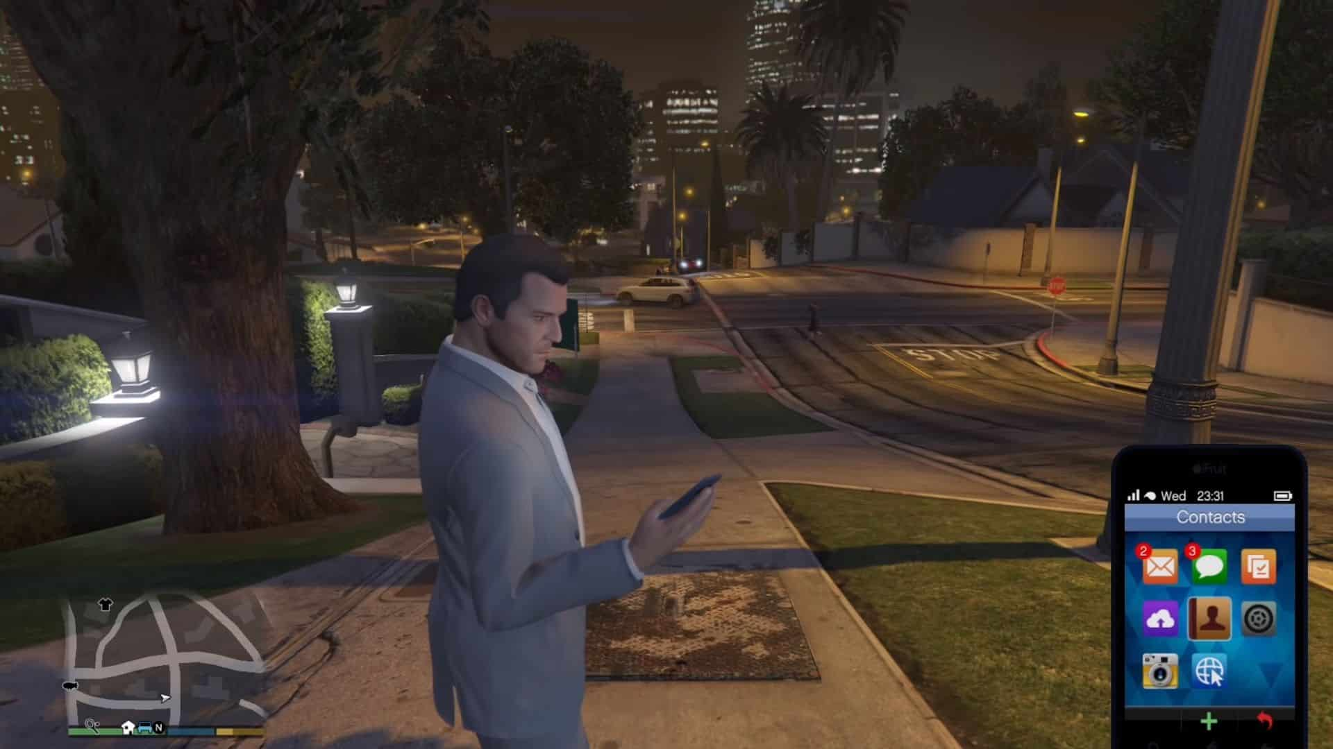 michael on his phone in gta v